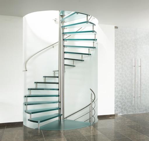 Moderne zwevende glazen trap