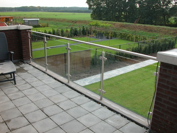 RVS met RVS balustrade
