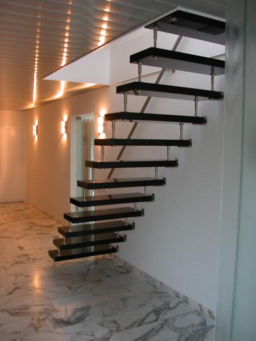Vrijdragende trap
