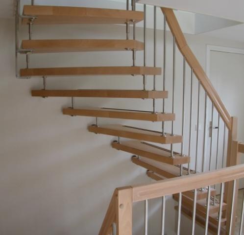 Modern houten bovenkwart trap